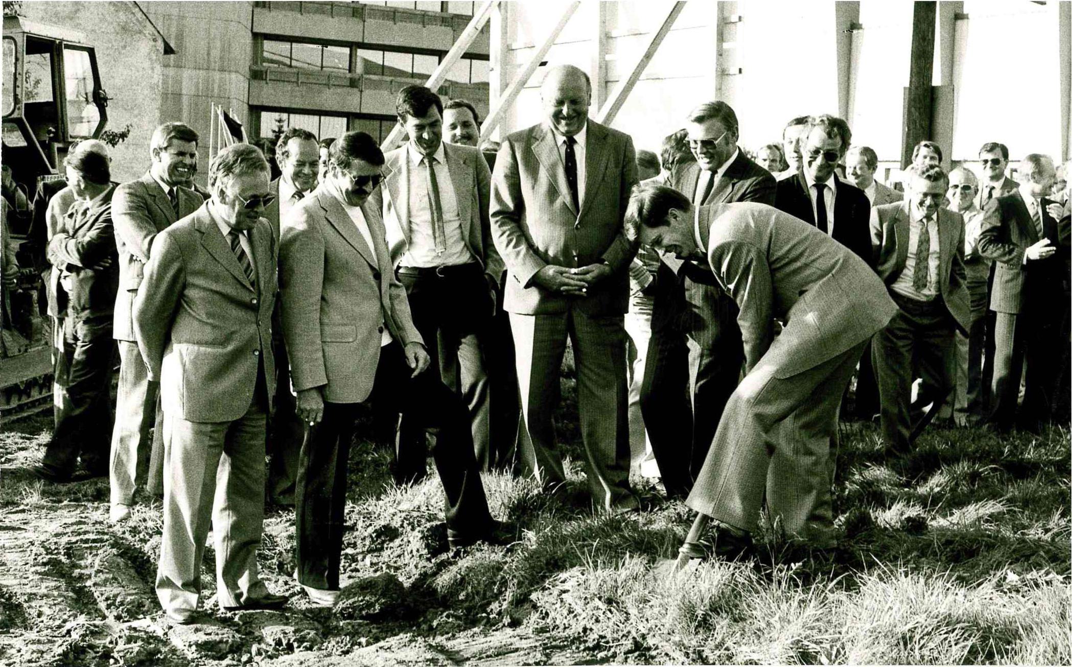 1. Spatenstich am 1. Oktober 1980 Bild: Fotostudio Baumann GmbH