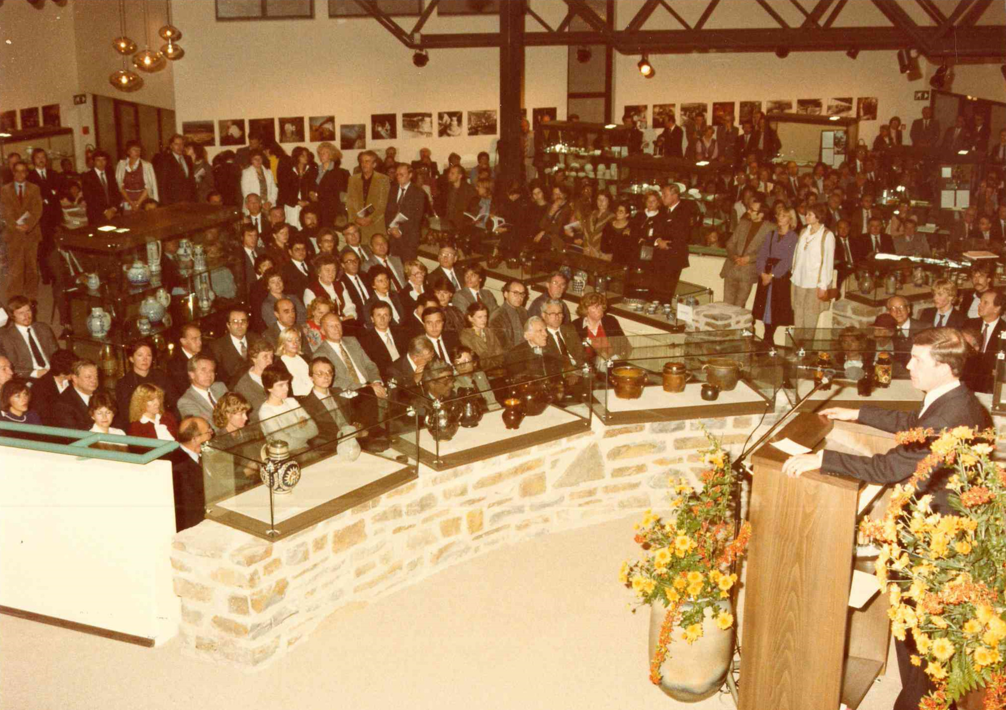 Eröffnung des Neubaus und des Westerwaldpreises 22.10.1982. Bild: Fotostudio Baumann GmbH