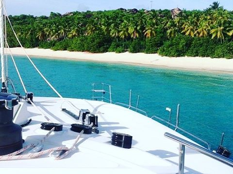 and deserted beaches...! 🗾⛵️👍 . . .  #discovery #wanderlust #sailing #yachtlife #lagoon620 #bvi #virgingorda #peterisland #scrubisland #neckerisland #bviheaven #gourmet #summer2017 #luxury #thebaths #bitterend #boatbookings #yachtlife #lifeofluxury #catamaranlife #gourmet #riseandshine #diving