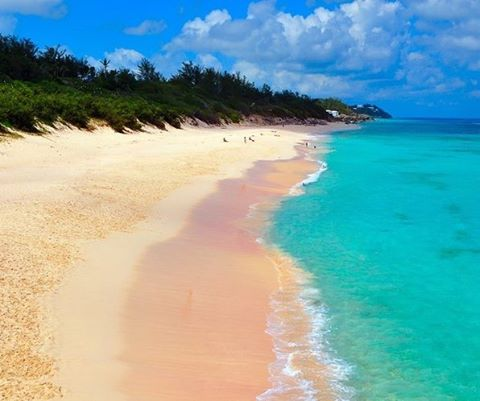 Put this beach on your bucket list! 🗾⛵️🍾 . . .  #discovery #wanderlust #sailing #yachtlife #anegada #bvi #virgingorda #peterisland #scrubisland #neckerisland #bviheaven #gourmet #summer2017 #luxury #thebaths #bitterend #boatbookings #yachtlife #lifeofluxury #catamaranlife #gourmet #riseandshine #fridayfeels #itstheweekend #tgif #lifeofluxury #bucketlist #caribbean