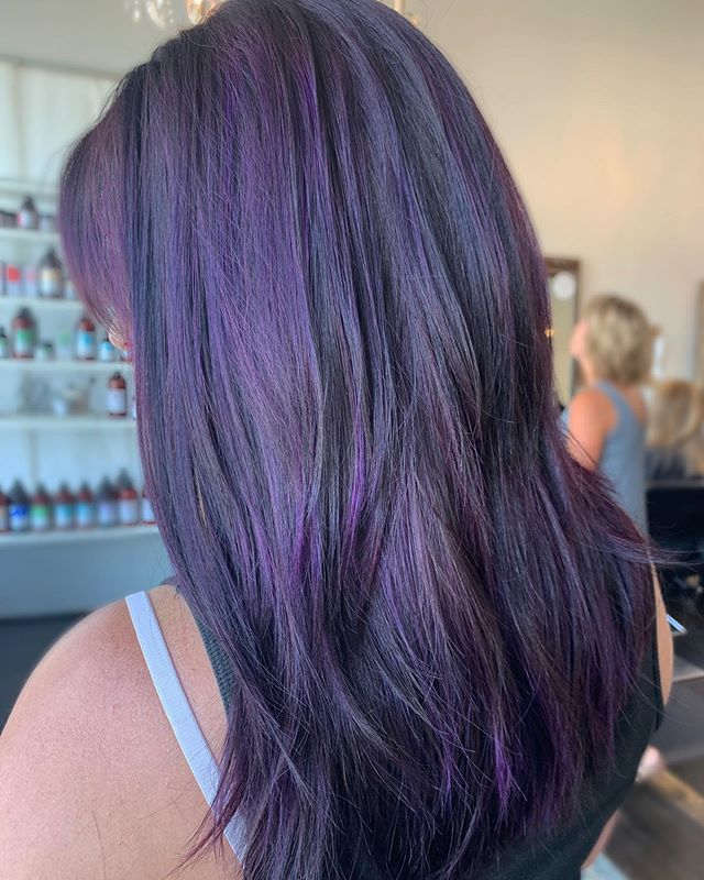 If you needed a sign to convince you to color your hair purple, this is it.. color your hair purple girl 🦄 • • • By @krischeeta