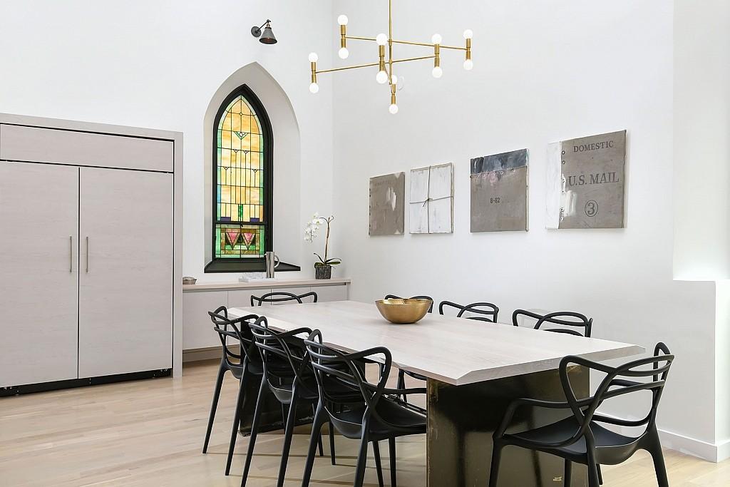 heavenly-family-home-resurrected-from-twentieth-century-church-24-1024x683