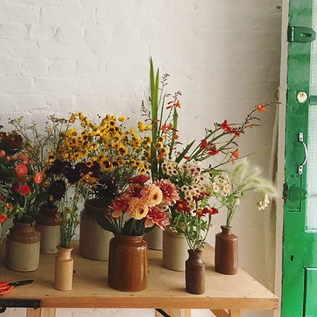 All our blooms are grown and cut by our brilliant head florist @_wetherly_ - so our bunches are doing their bit for the environment too 🤠
