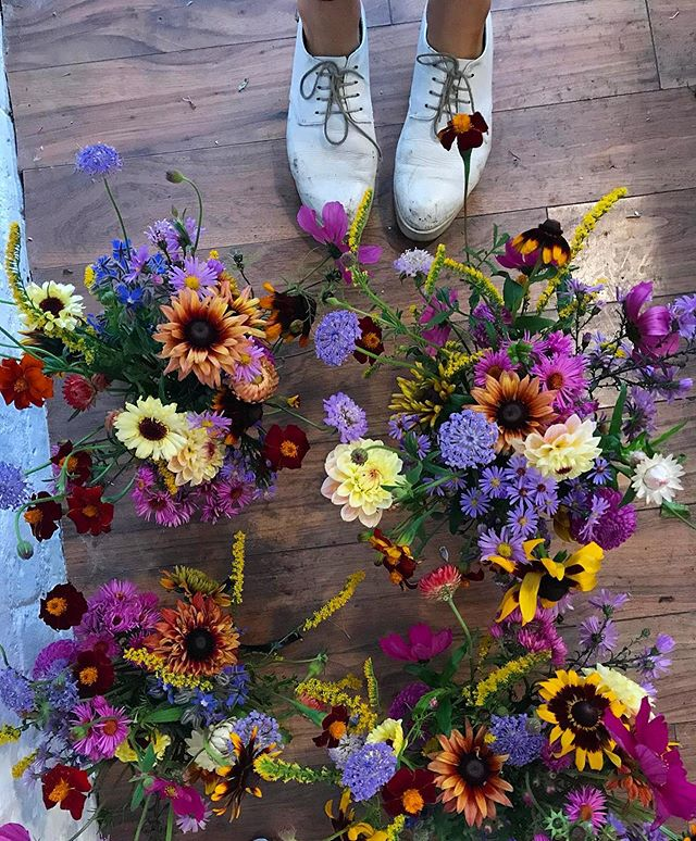 Flowerbed floorboards 🌱
