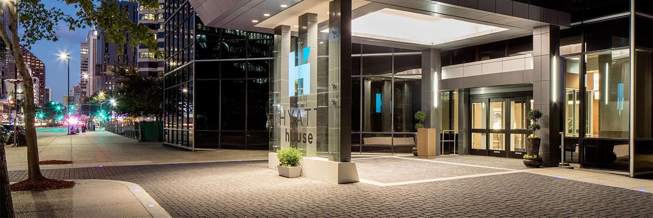 Hyatt-House-New-Orleans-Downtown-W004-Hotel-Entrance.masthead-feature-panel-medium.jpg