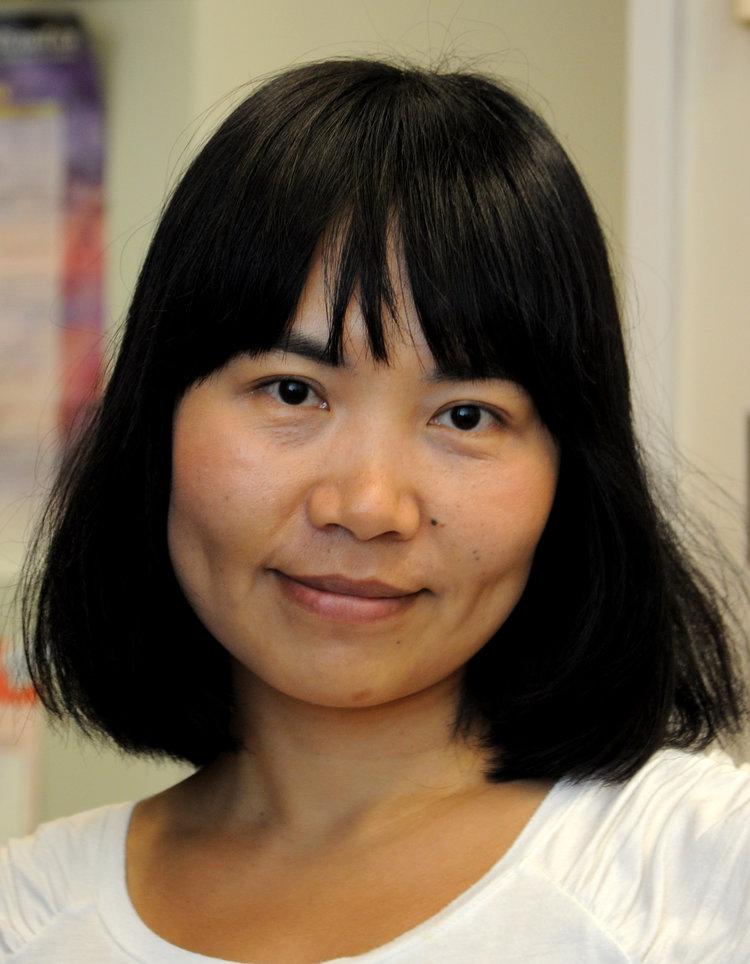 Jess Shen    Bioinformatician MSc, Queen's University, Canada shen@lunenfeld.ca