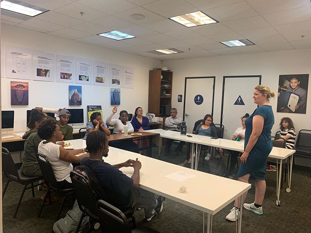 Author of Garbage Bag Suitcase: A Memoir, Shenandoah Chefalo, came to RightWay to speak to our youth about her book and her experiences as a foster youth! #rightway #therightwayfoundation #fosteryouth #fosteryouthdomakeit