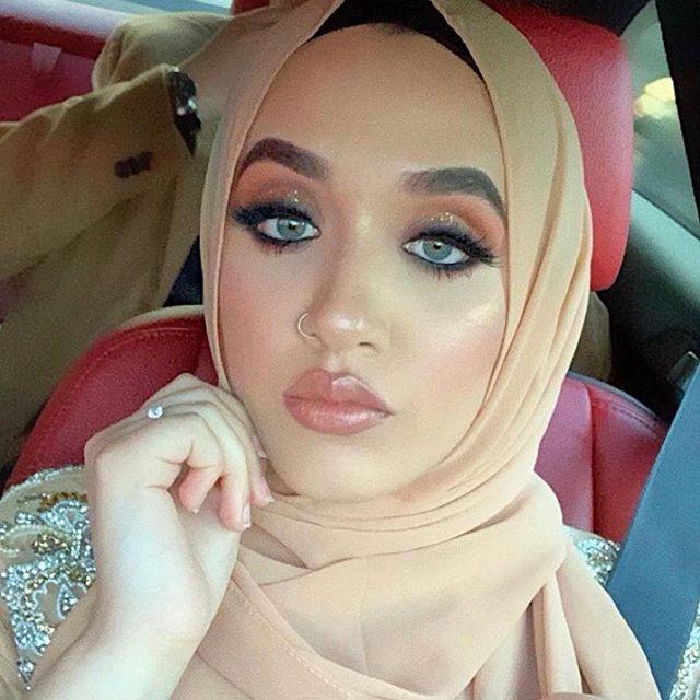 @halimarazax rocking our chiffon Hijabs. 30% off your order use code: SAVE30 #lamiahijabs #hijabstore #salehijab