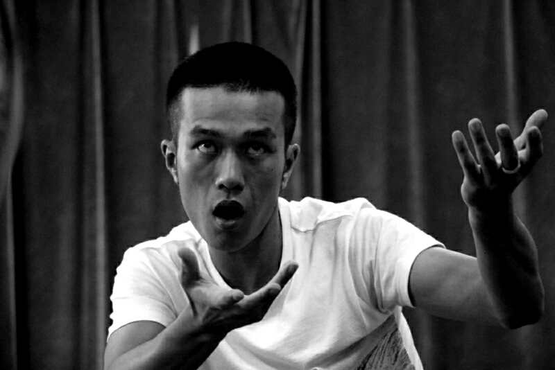 Workshop participant, Yi Song, applying the pre-performative psychophysical training to a structured improvisation at the August Shanghai workshop.