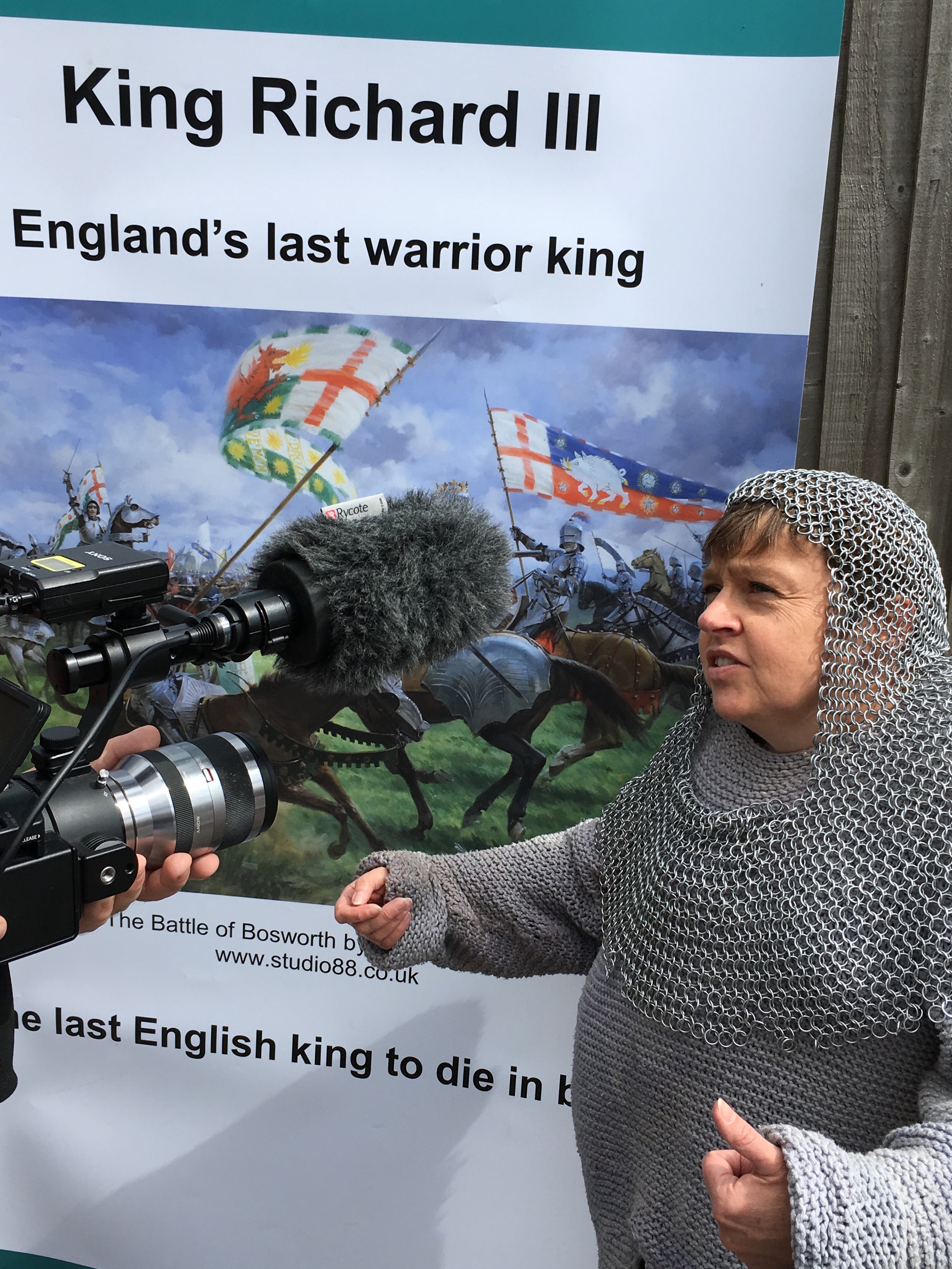 Richard III interviewed at Bosworth.jpeg