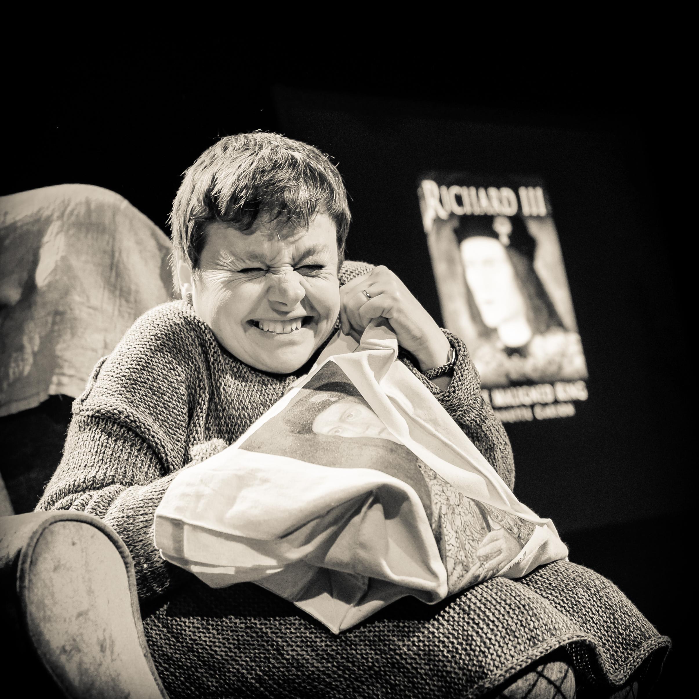 Sara Beer in  richard III redux: 'Stories at Nan's' (panopticphotography]