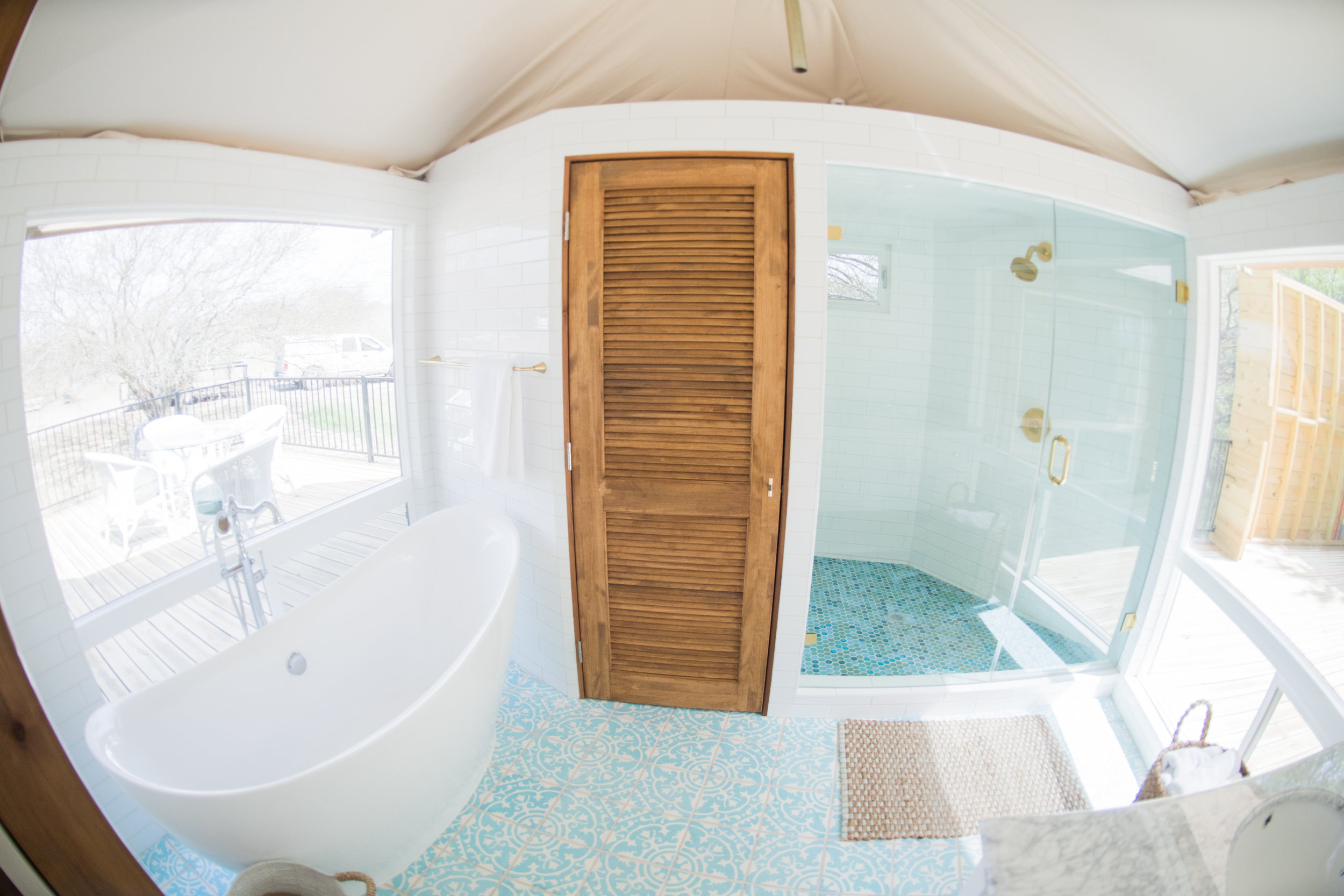S Bathroom.jpg