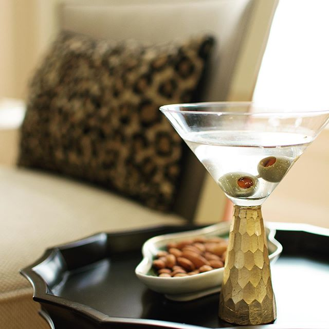 I've been working since 5am. It's definitely time for a cocktail #dirtymartini #interiordesign #interiordesigner #dcdesigner #residentaldesigner #cocktailhour #workhardplayhard