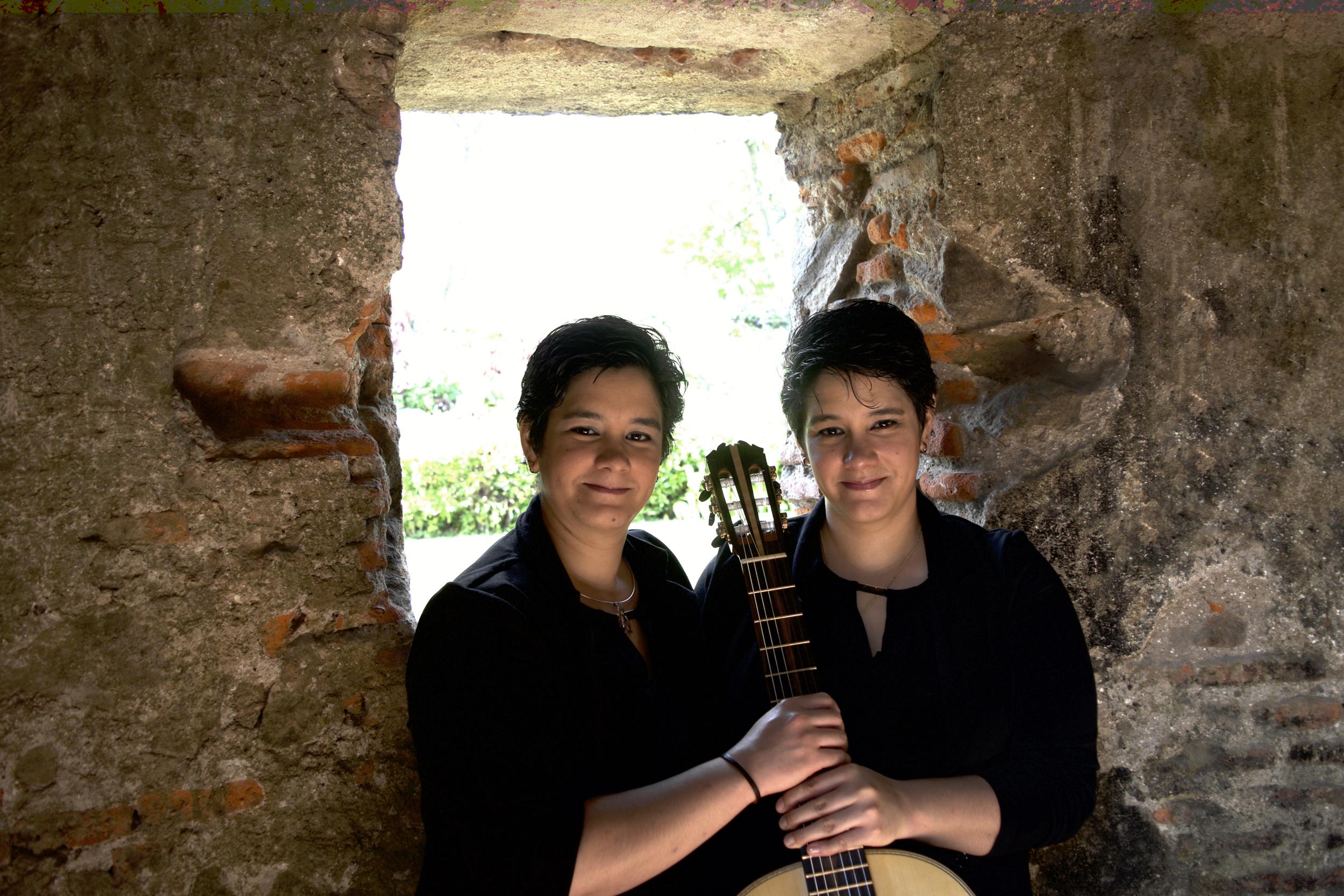 Paola & Evelyn Molina