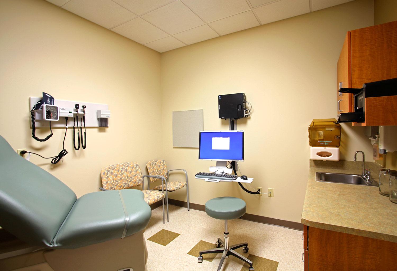 ucd-medical-clinic-4.jpg
