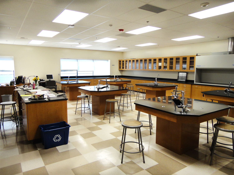 Christo-Rey-Classroom03.jpg