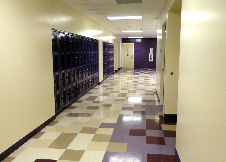 Christo-Rey-Hallway.jpg