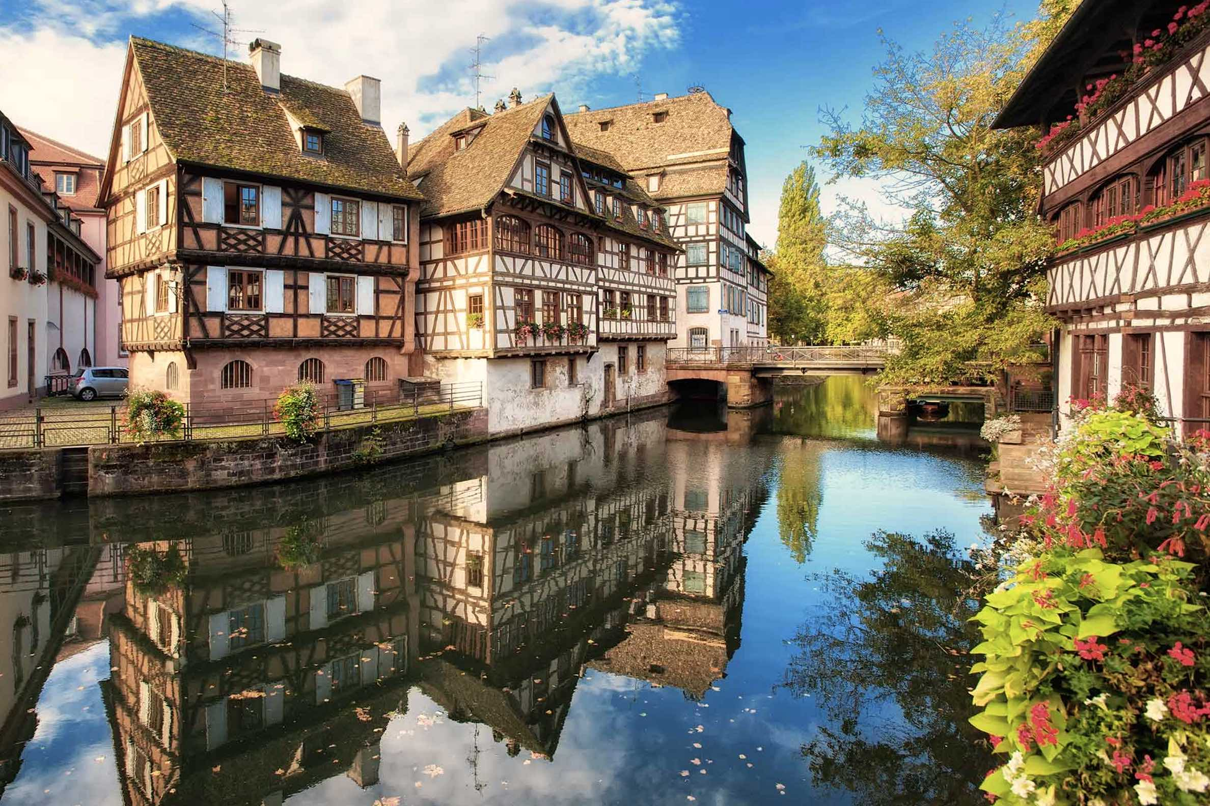 Alsace's traditional architecture consists of houses constructed with walls in timber framing and cob, and roofing in flat tiles