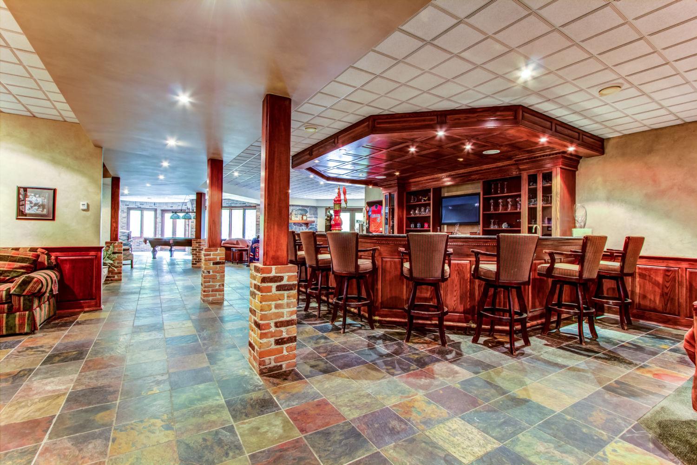 1050-16thSideroad - Private Bar - Keller Williams Referred Urban Realty.jpg