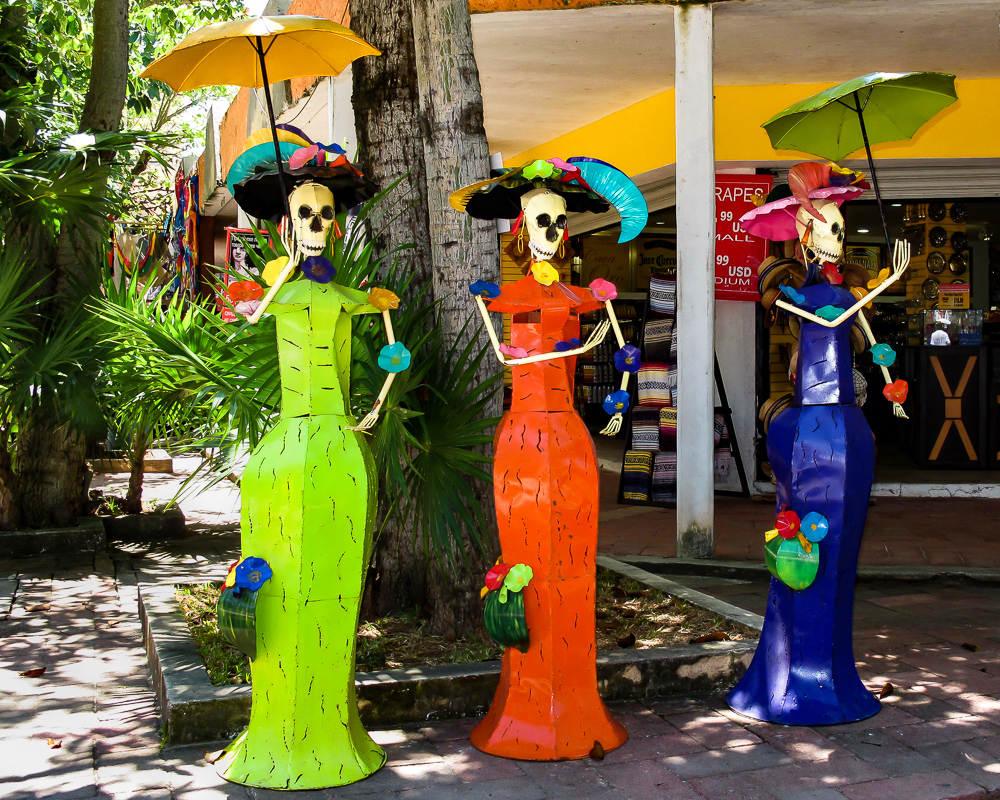 Ladies of Playa del Carmen