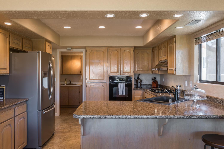 2092 fairway kitchen.jpg
