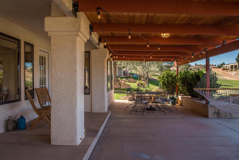 2092 fairway patio.jpg