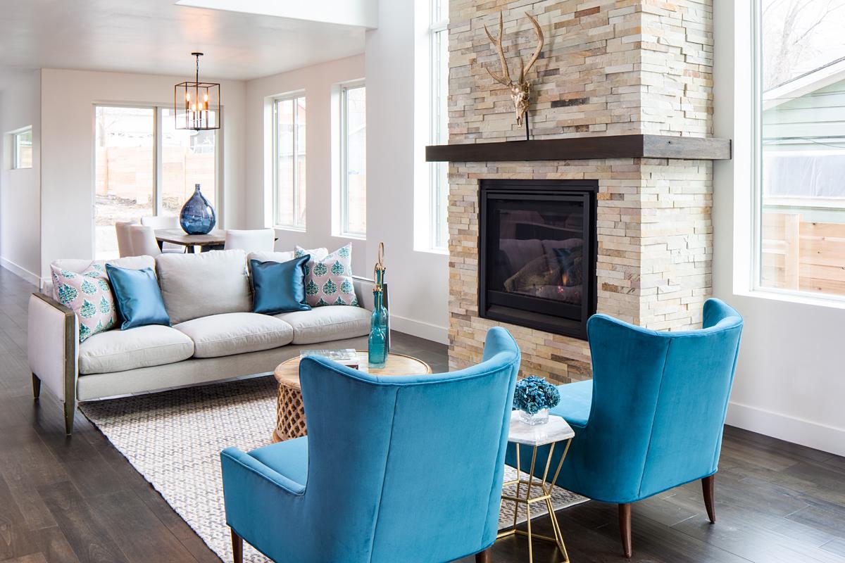 639 S 900 E living room.jpg