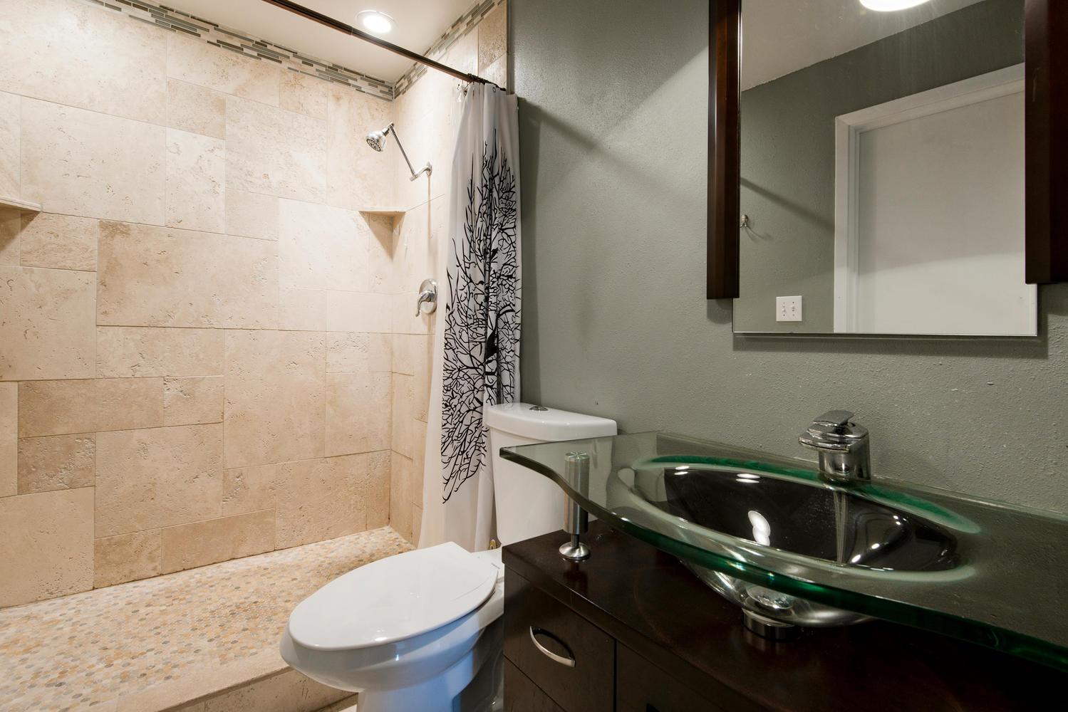 5397 bathroom.jpg