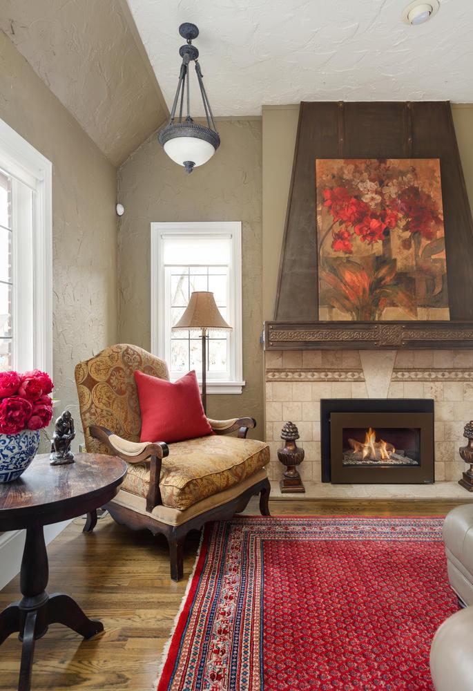 1652 Yale fireplace3.jpg