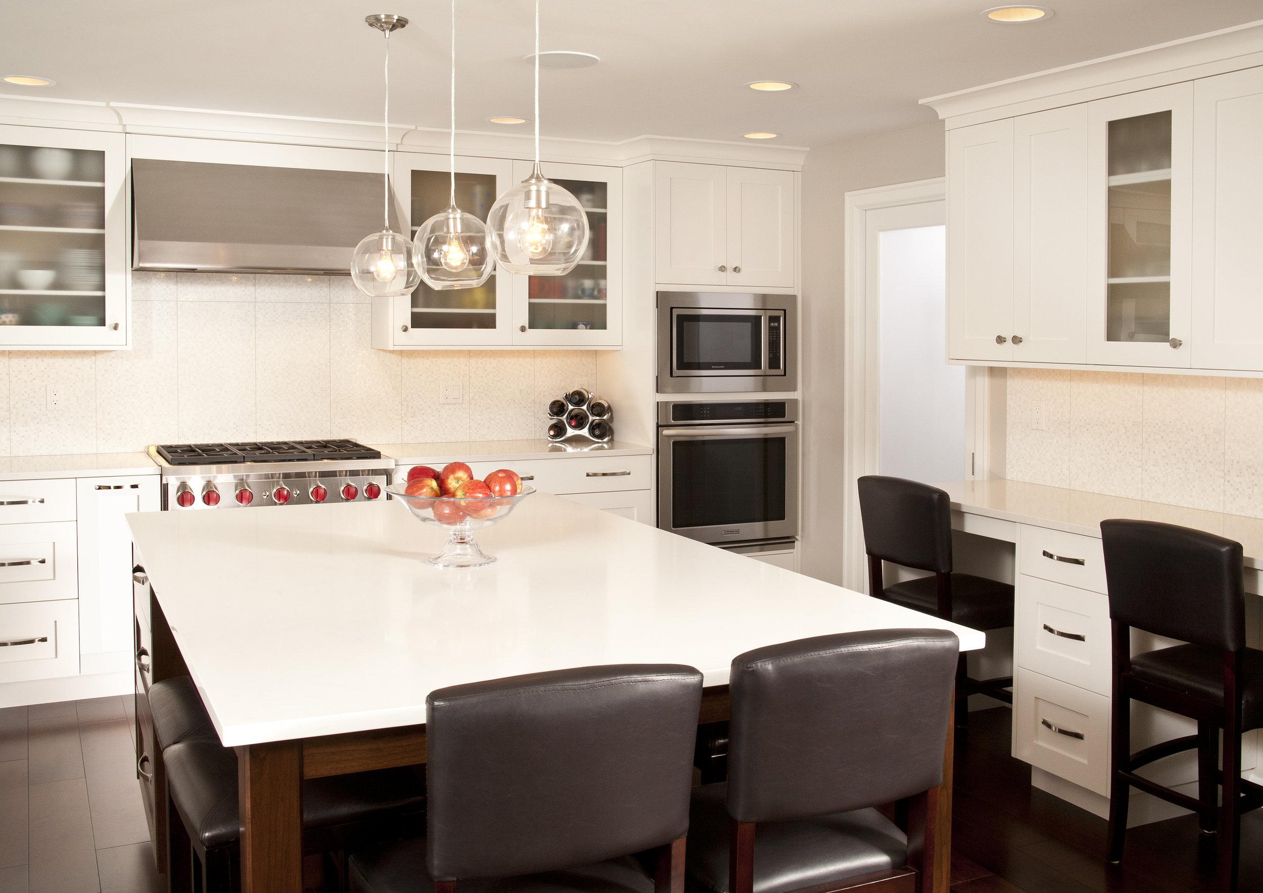 Bellevue Newport Shores Transitional Kitchen 4.jpg