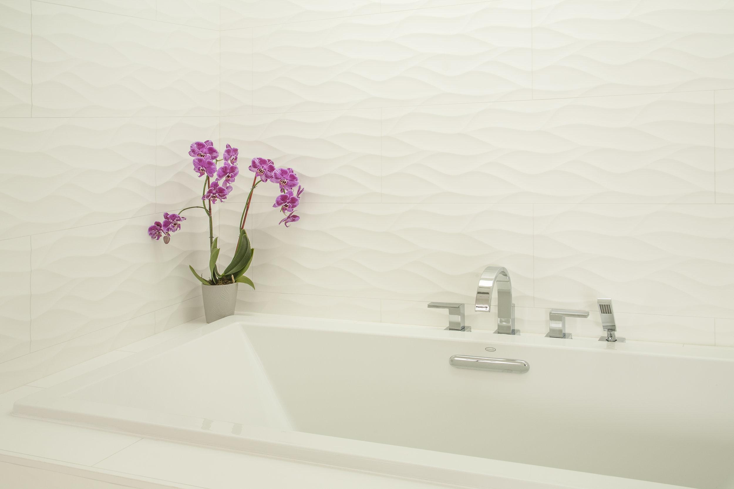 Bellevue Newport Shores Contemporary Master Bath 2.jpg