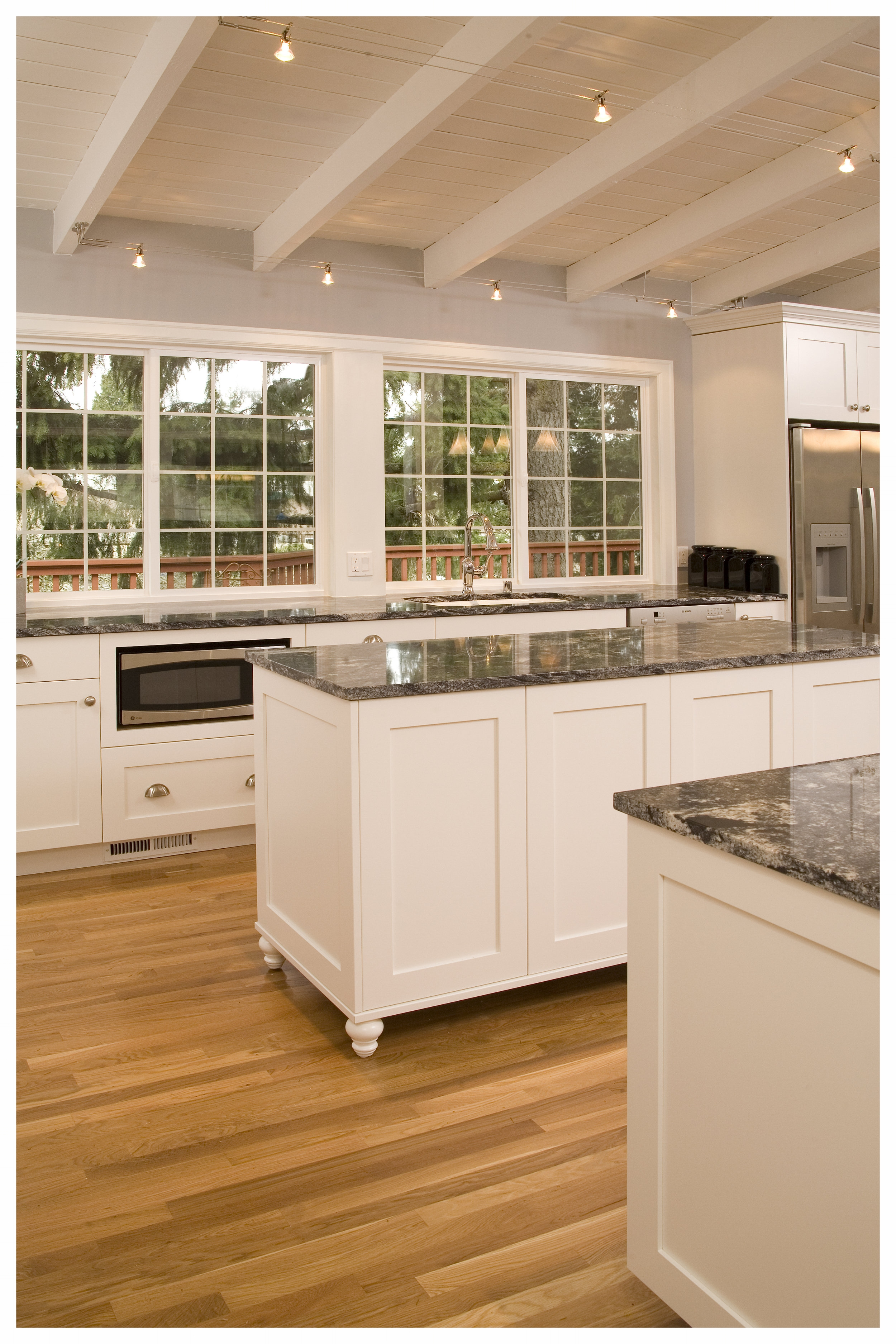 Bellevue Newport Hills Transitional Kitchen 3.jpg