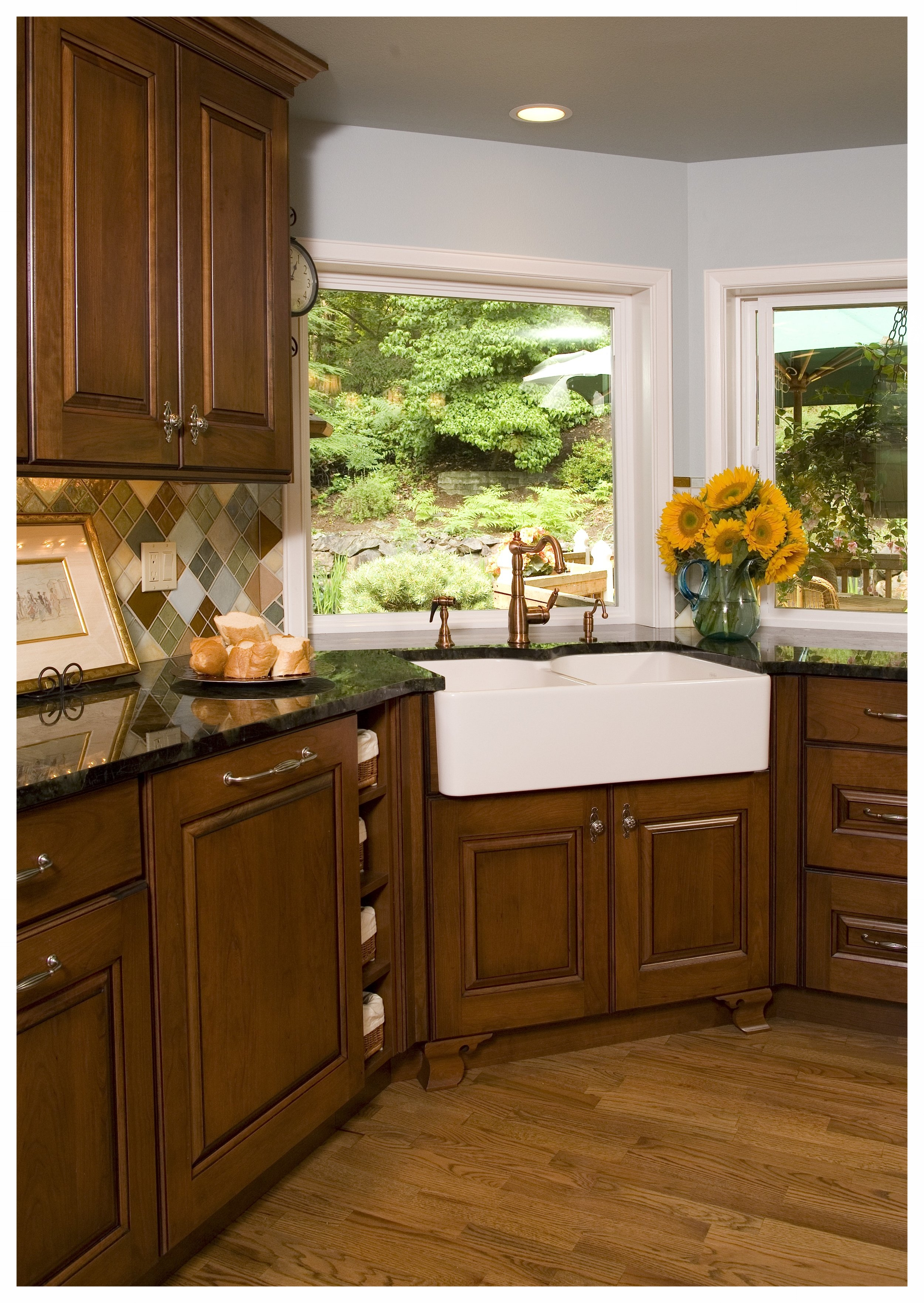 Woodinville English Hill Traditional Kitchen 5.jpg