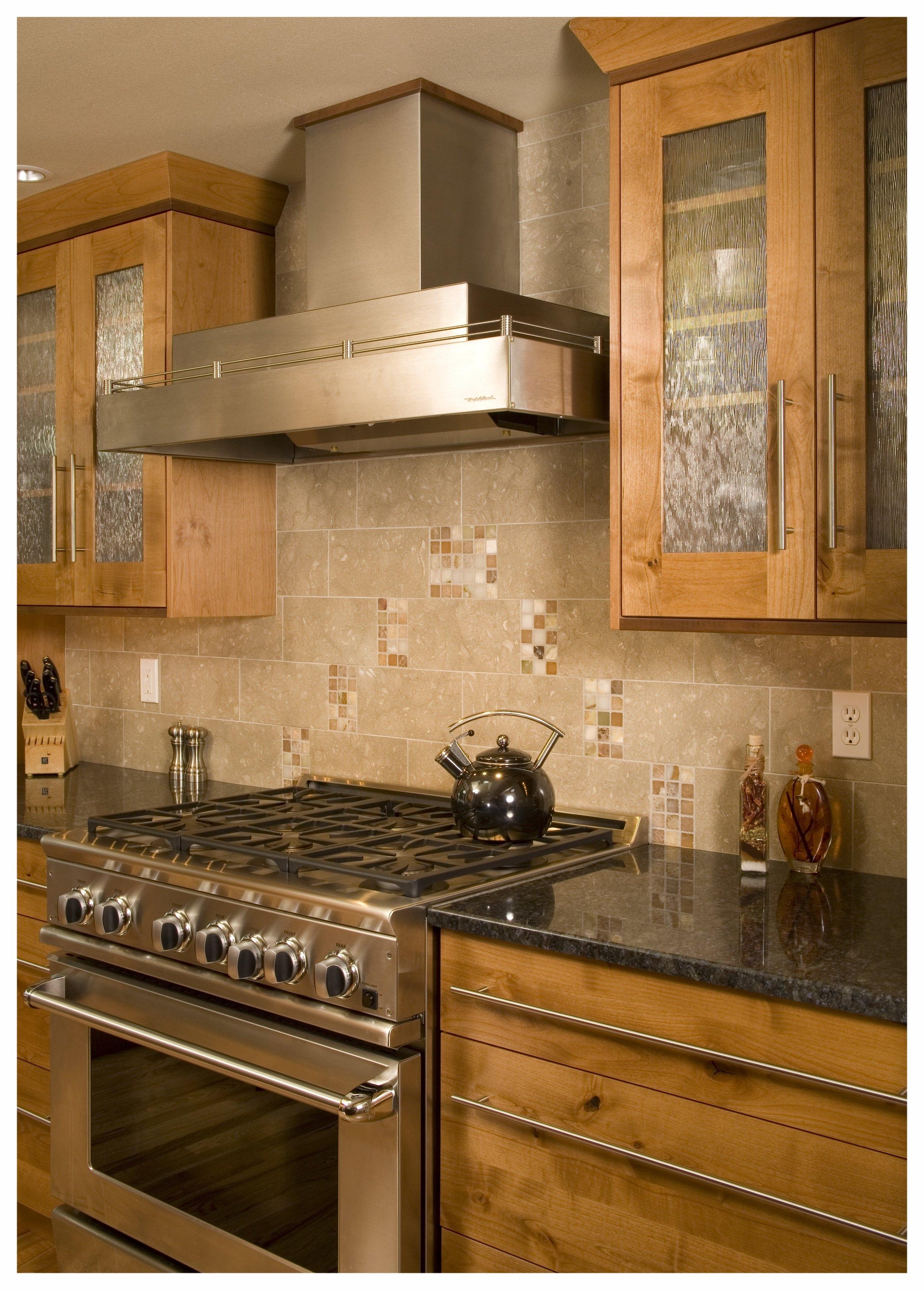 Redmond Traditional Kitchen 3.jpg