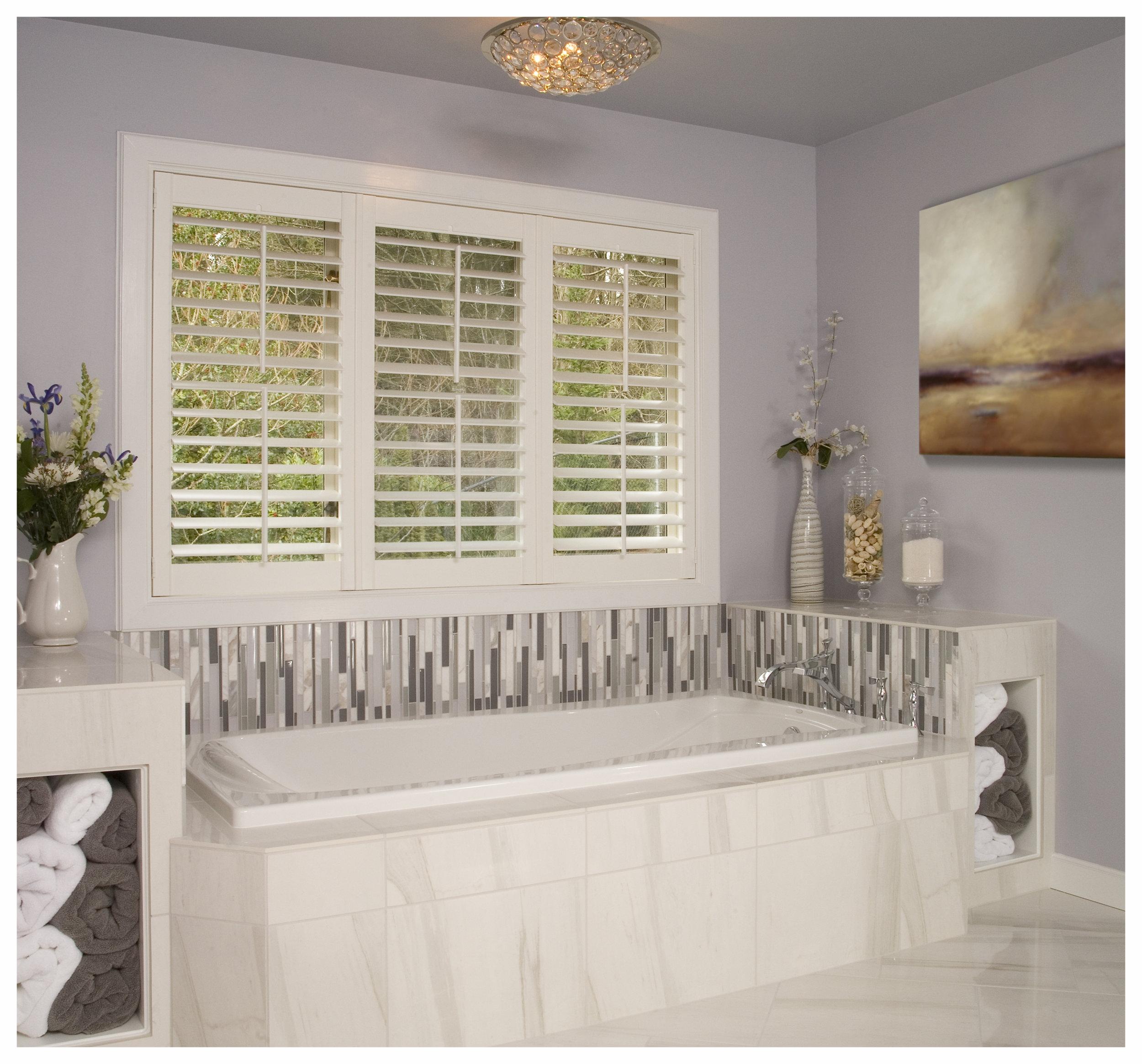 Redmond Traditional Master Bath 4.jpg