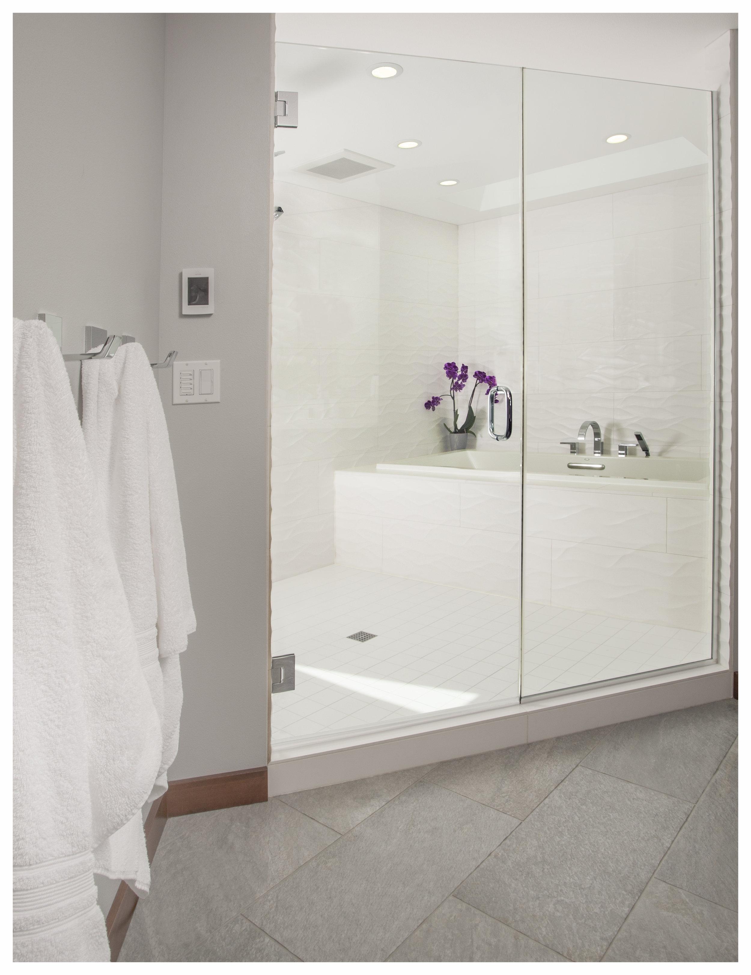 Bellevue Newport Shores Contemporary Master Bath 1.jpg