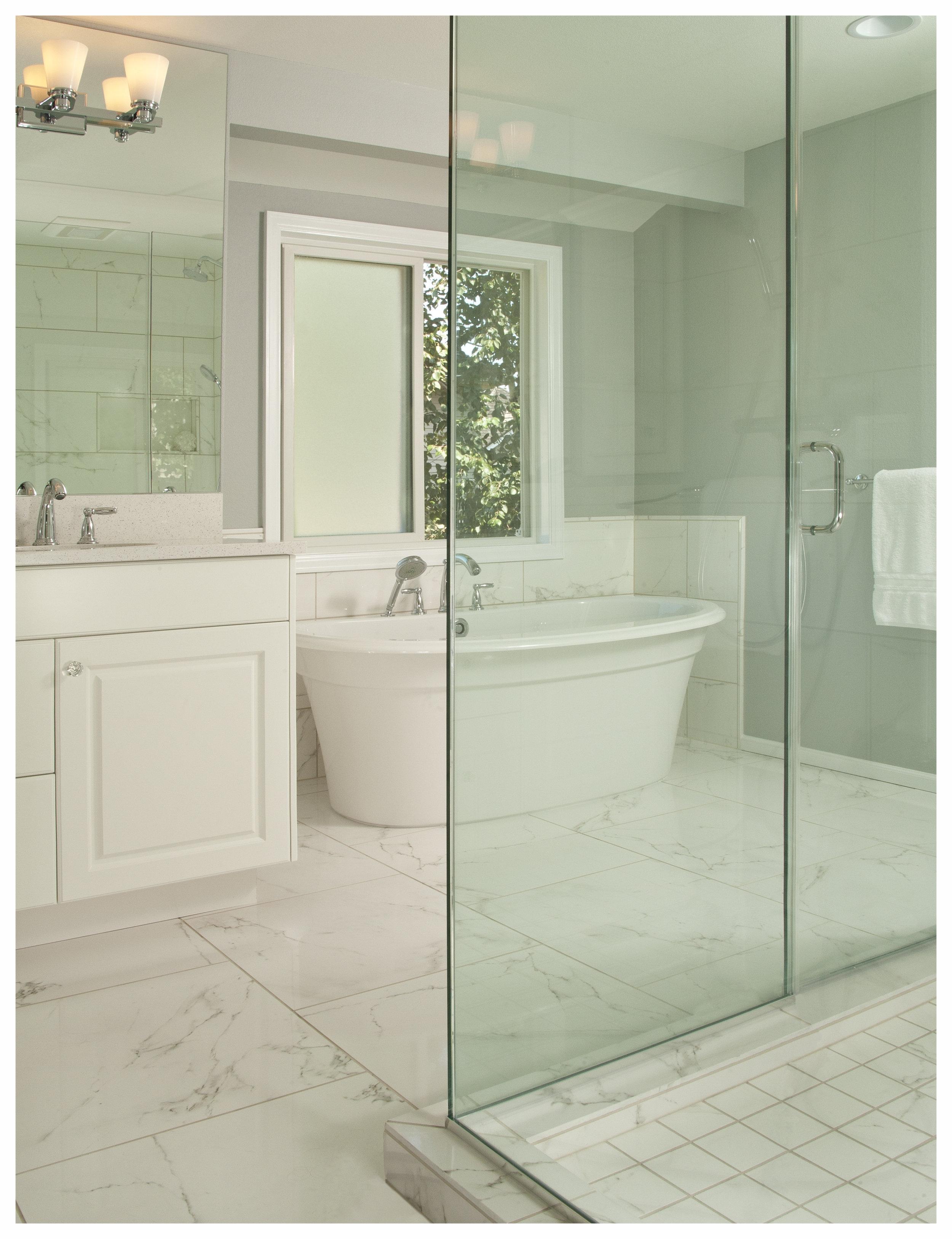 Bellevue Lakemont Traditional Master Bath 2.jpg