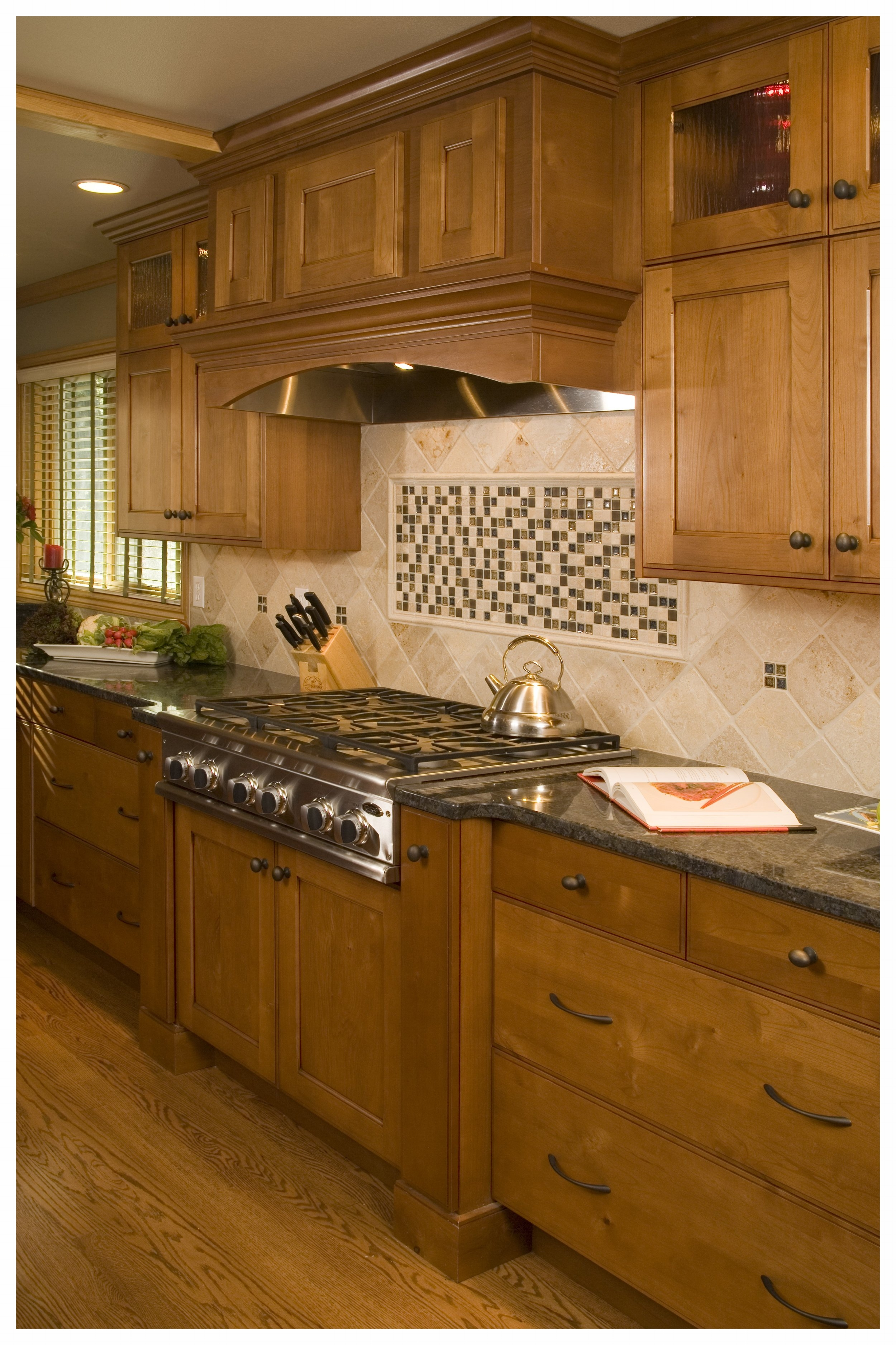 Woodinville Brookside Traditional Kitchen 5.jpg