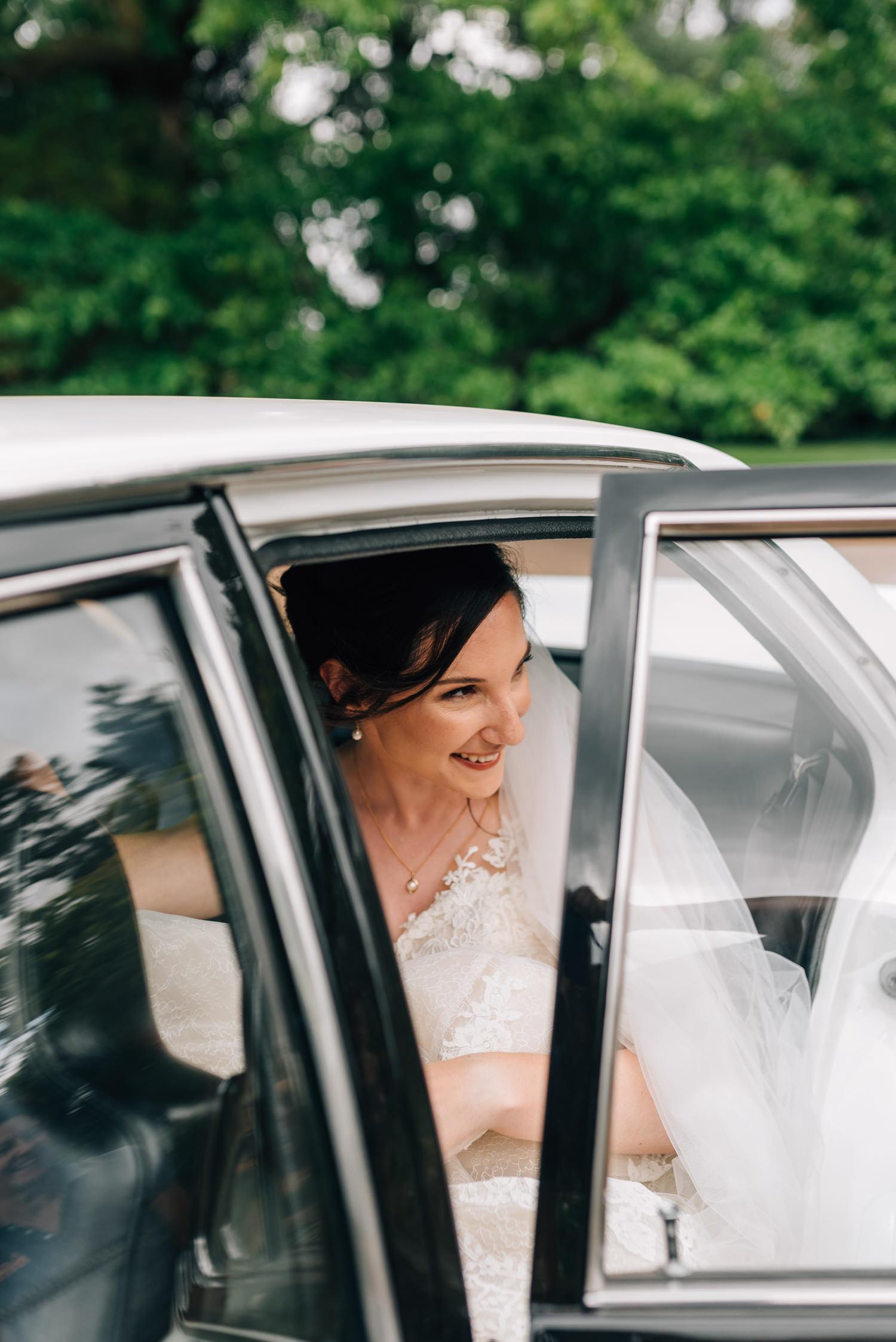 Brickendon-Wedding-Photographer-30.jpg