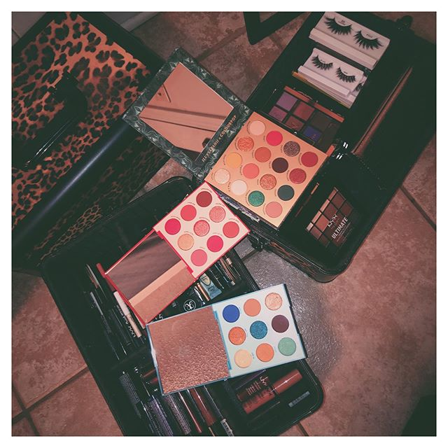 now have 6 palettes in my @colourpopcosmetics collection 🎨