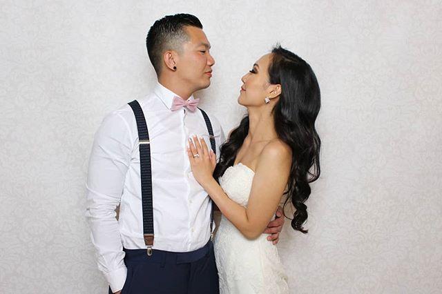 🤵👰💕 . . . #brideandgroom #weddingdayfun #holdthemoments #photoboothrental #photoboothtoronto #torontophotobooth #torontophotoboothrental #photoboothfun #photoboothprops #gtaweddingphotographer #gtawedding #weddingtoronto #torontoweddingvendors #fotobitsphotobooth #fotobitsco