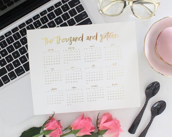 gold_foil_calendar_-_miss_poppy_design_grande.jpg