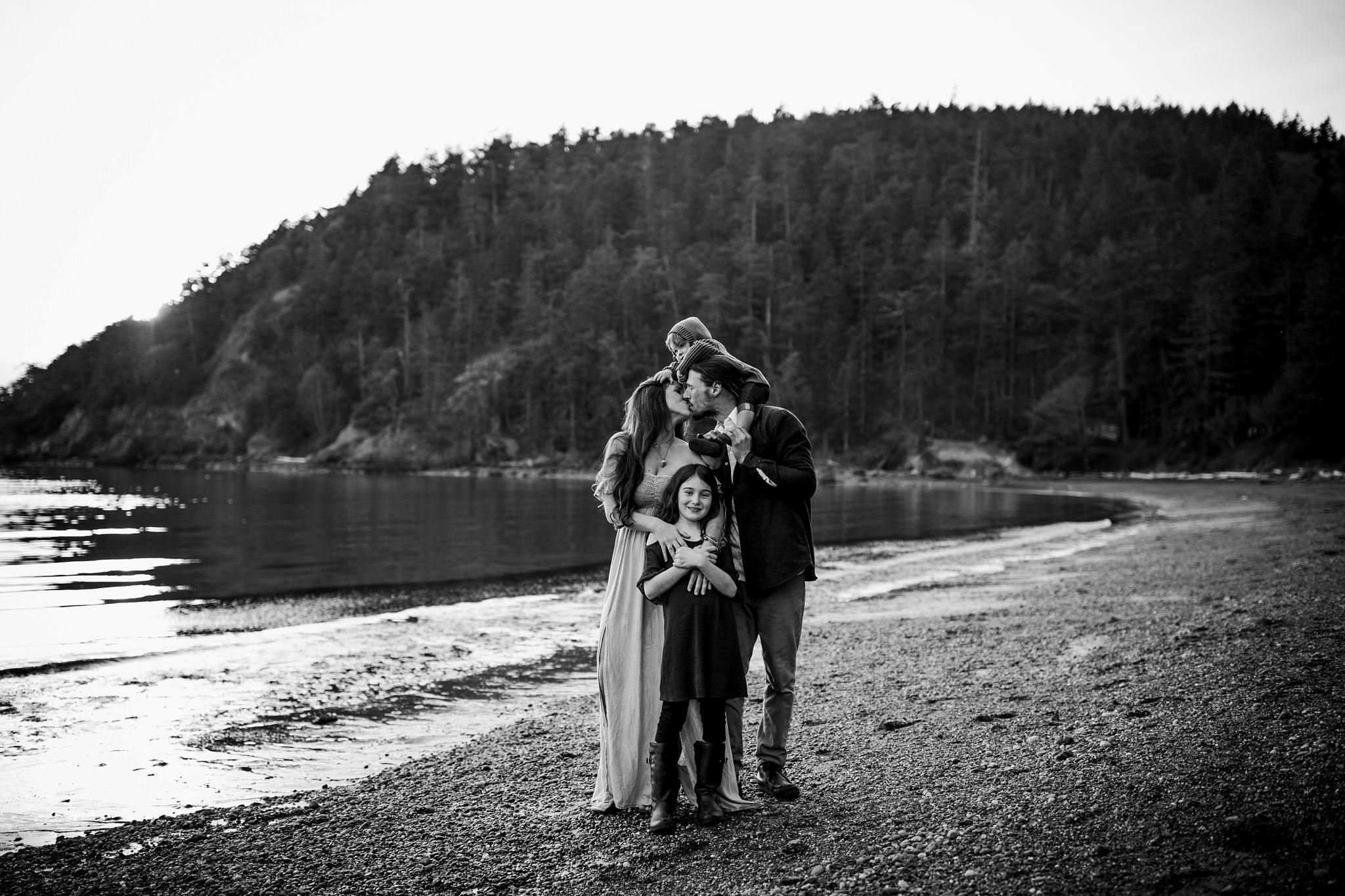 bowman-bay-oak-harbor-family-photographer-26.jpg