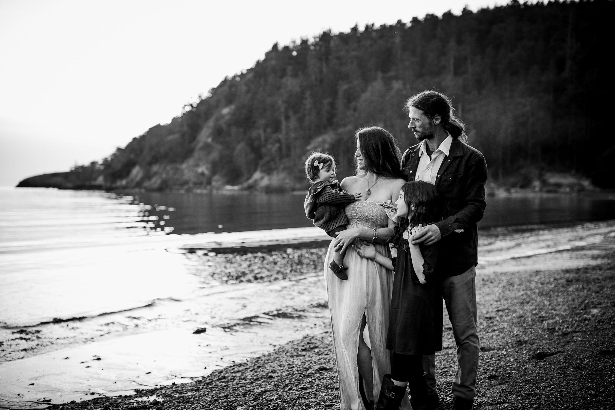 bowman-bay-oak-harbor-family-photographer-31.jpg
