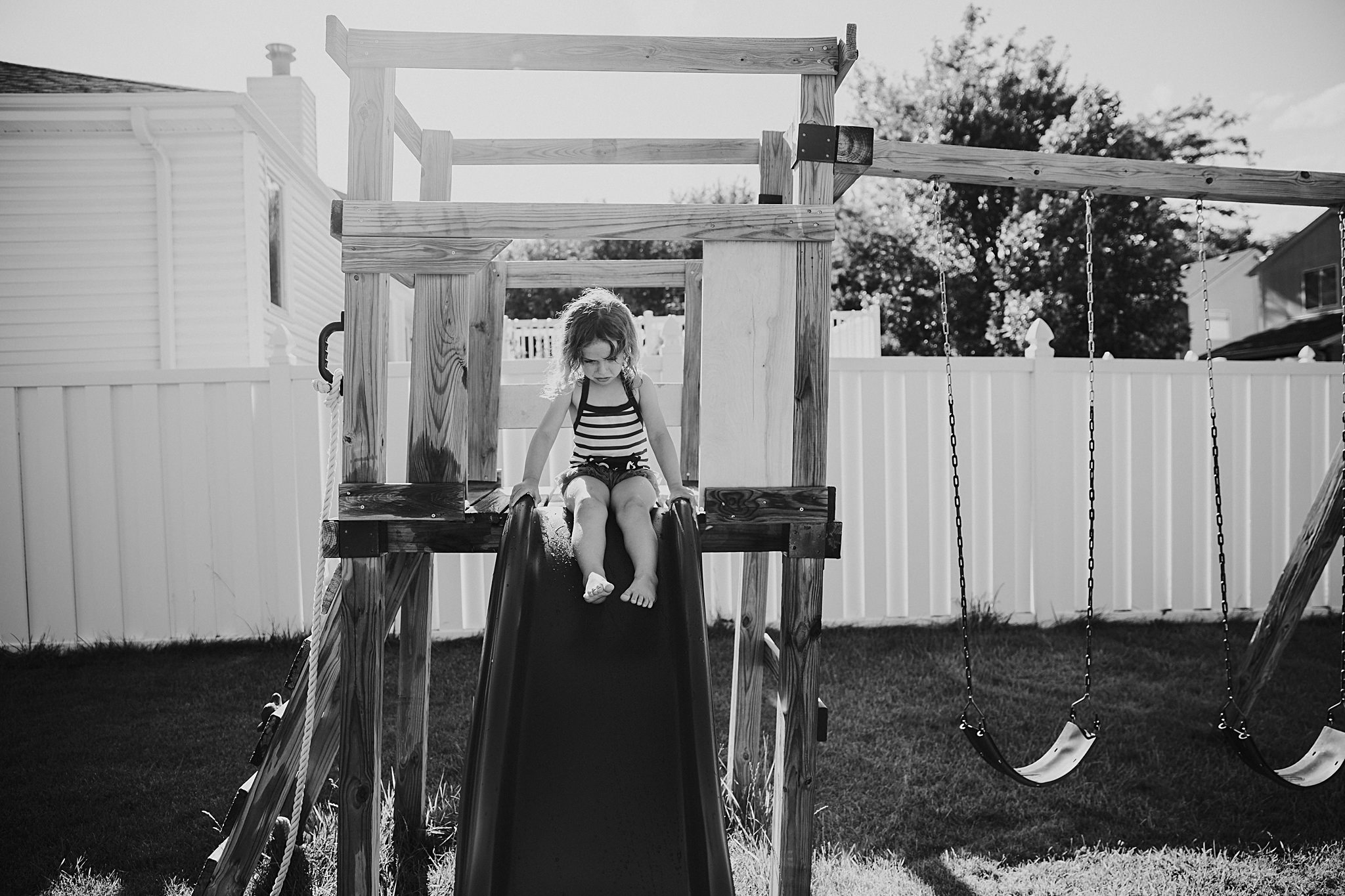 backyard-summer-playtime-with-cousins_0013.jpg