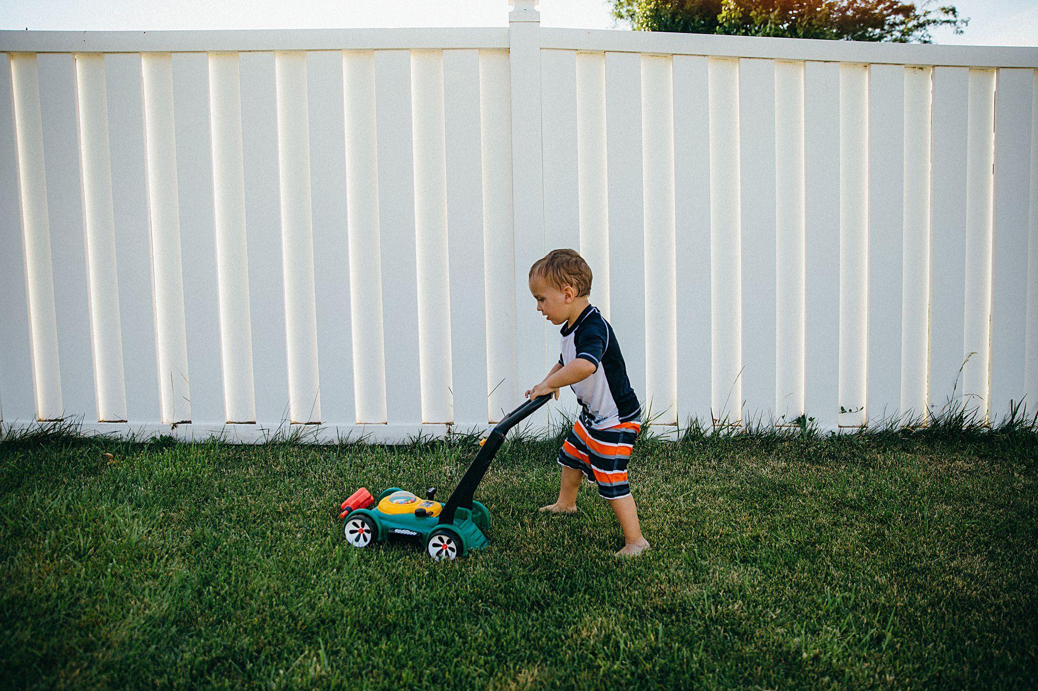 backyard-summer-playtime-with-cousins_0020.jpg