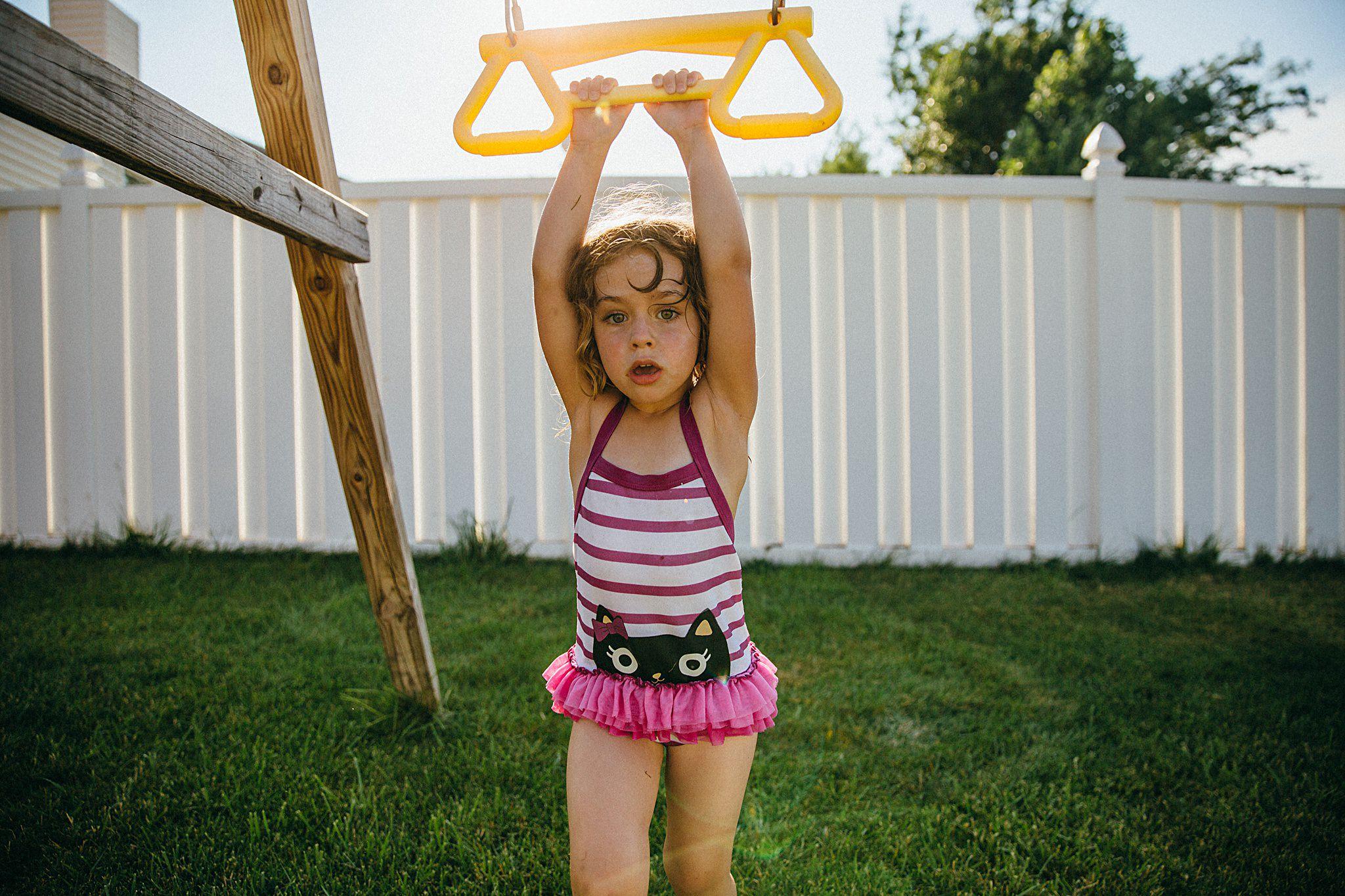 backyard-summer-playtime-with-cousins_0023.jpg