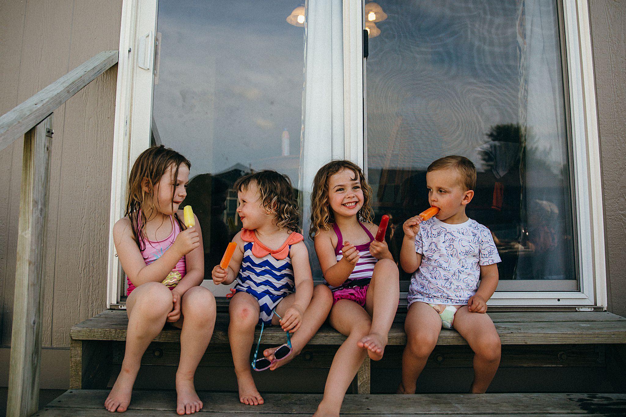 backyard-summer-playtime-with-cousins_0030.jpg
