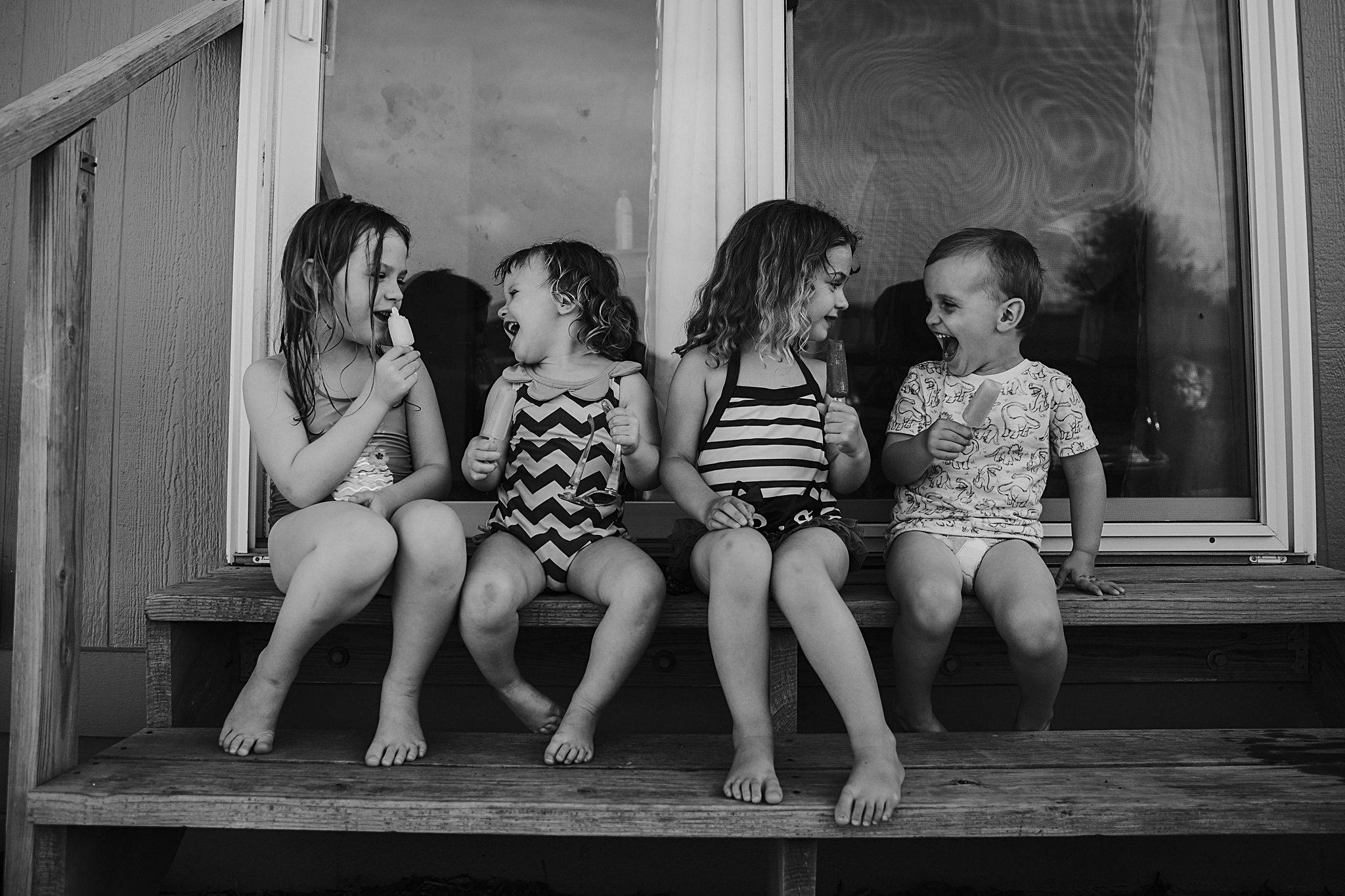 backyard-summer-playtime-with-cousins_0032.jpg