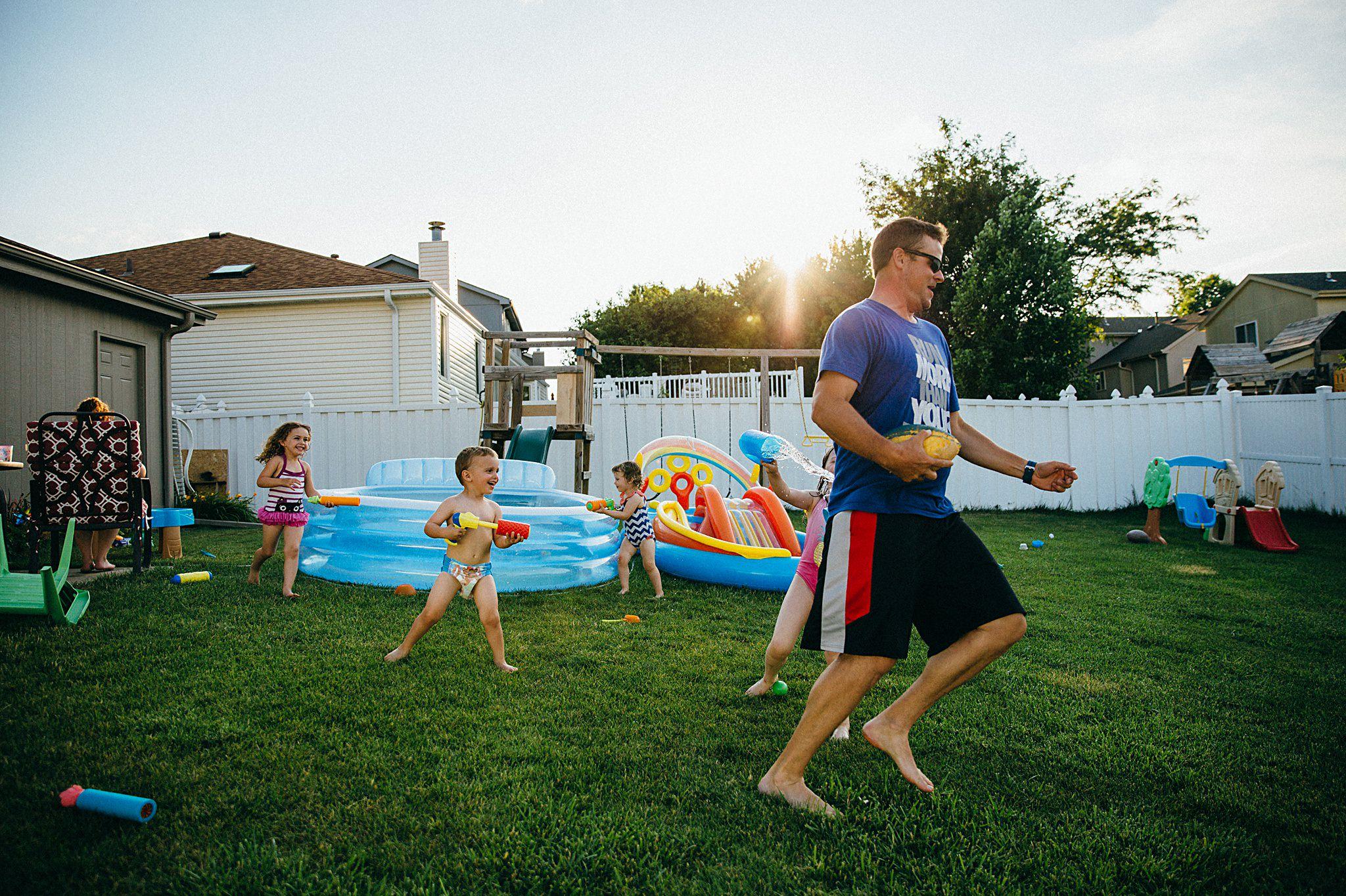 backyard-summer-playtime-with-cousins_0034.jpg